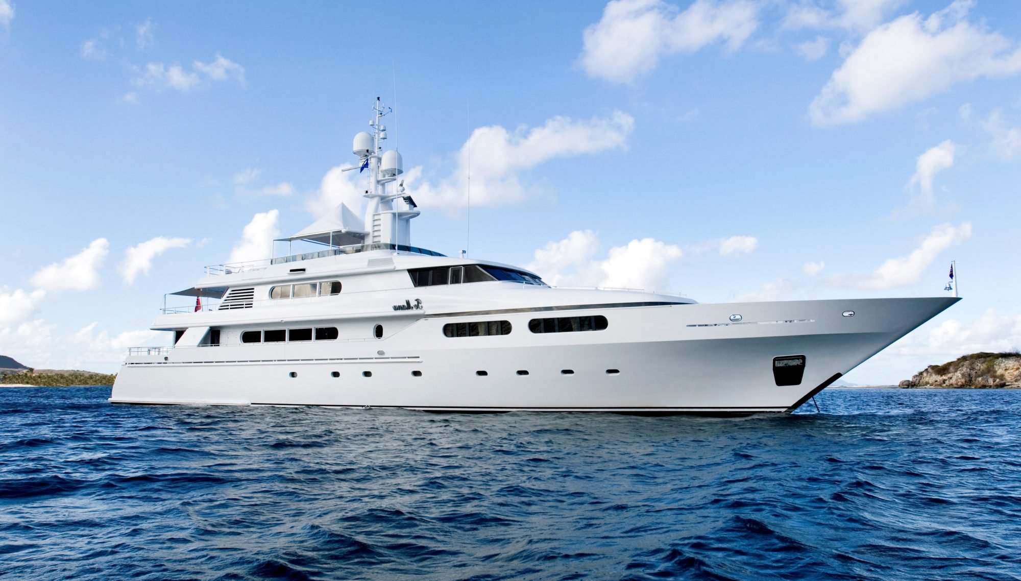 yacht for charter te manu