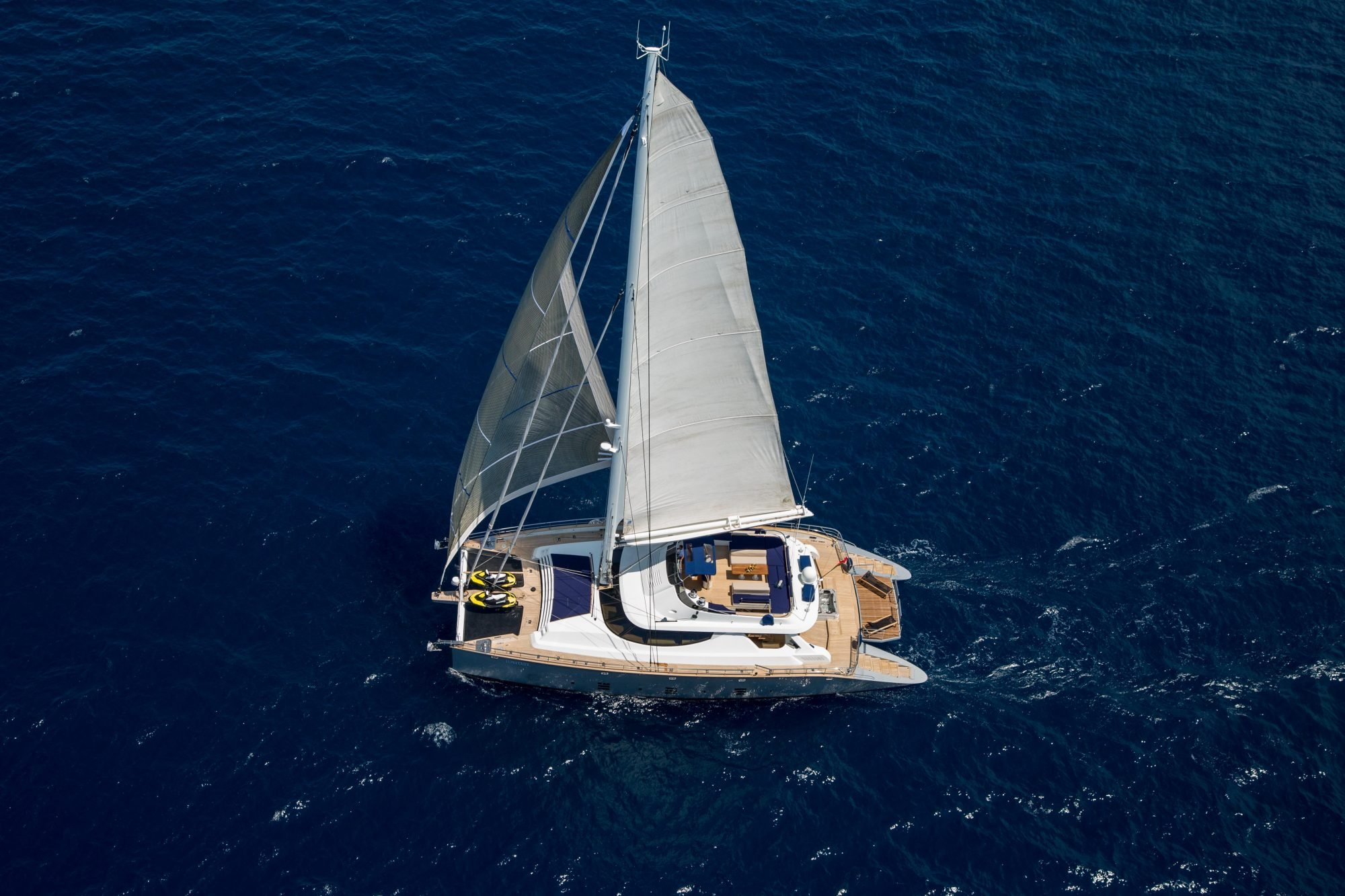 yacht for charter hutiane