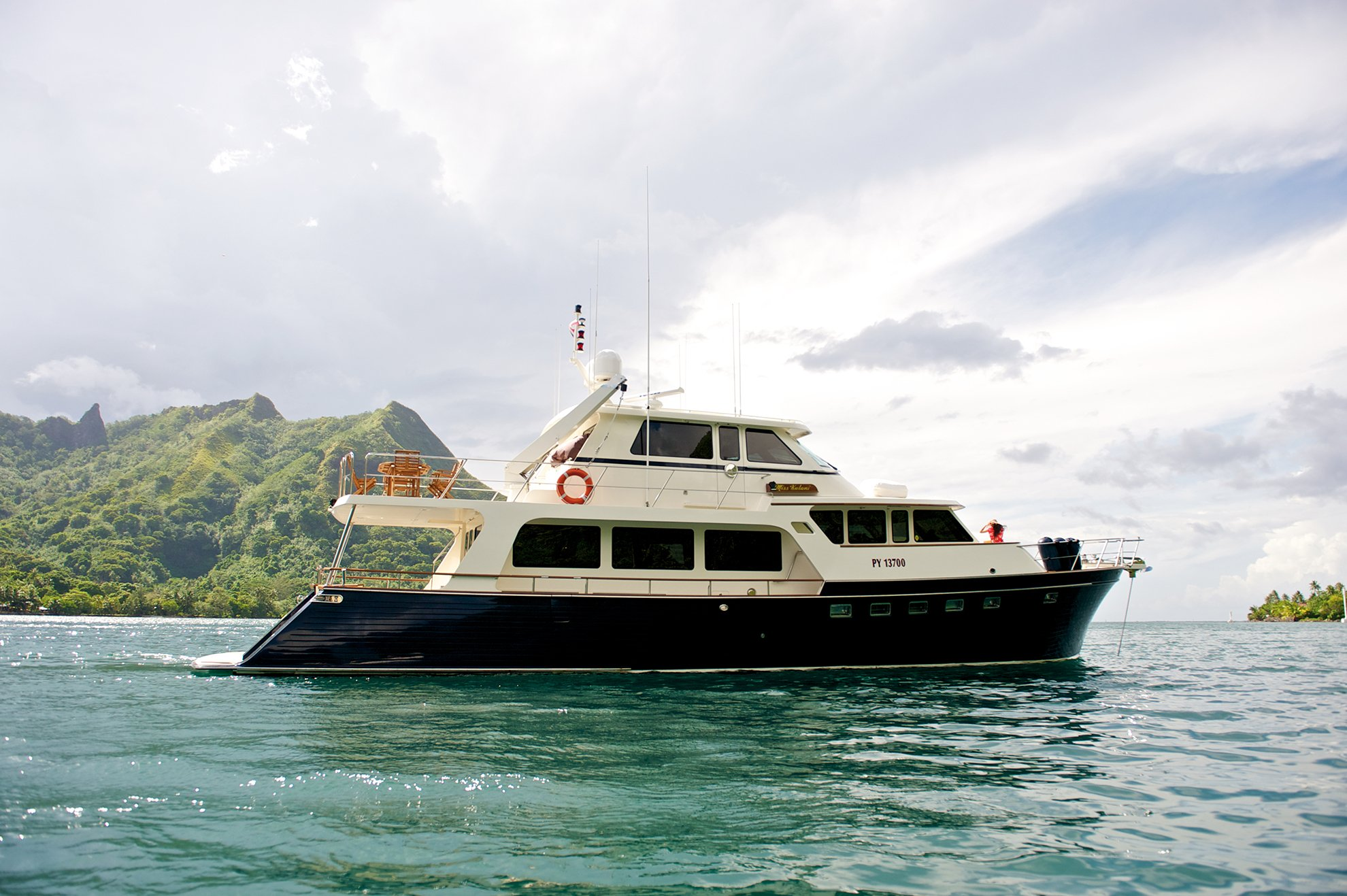 M/Y MISS KULINI for charter with SuperYachtsMonaco